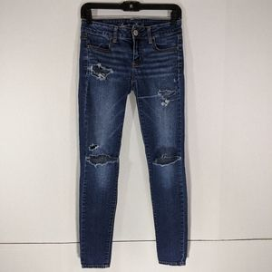 AMERICAN EAGLE OUTFITTERS Distressed Jegging 2